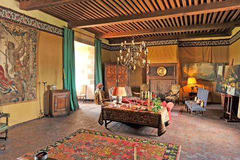 8 / The red-tiled sitting room