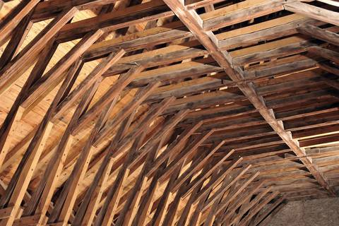 9 / The 15th century roof beams