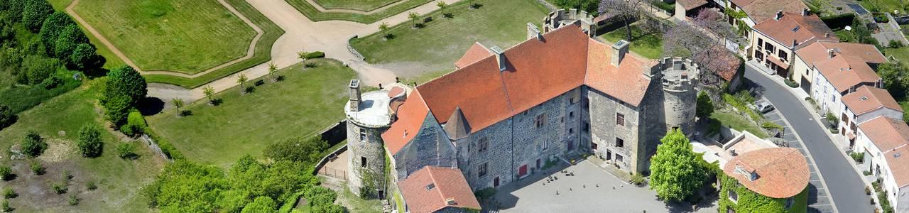 vue aérienne chateau saint saturnin, maison d'hôtes en Auvergne