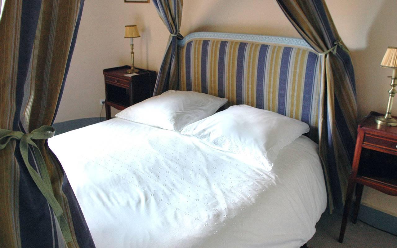 lit suite quadruple saint saturnin, maison d'hôtes de charme en Auvergne