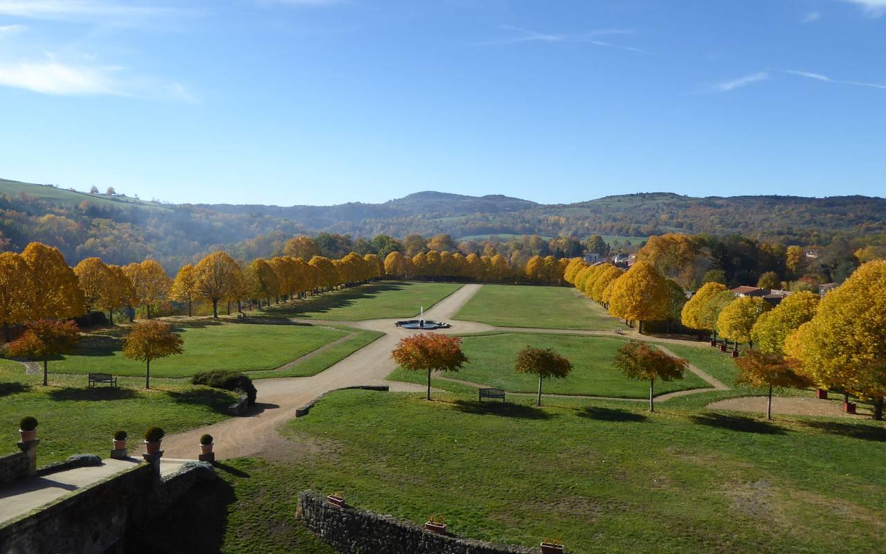 jardins château saint saturnin auvergne, maison d'hôtes
