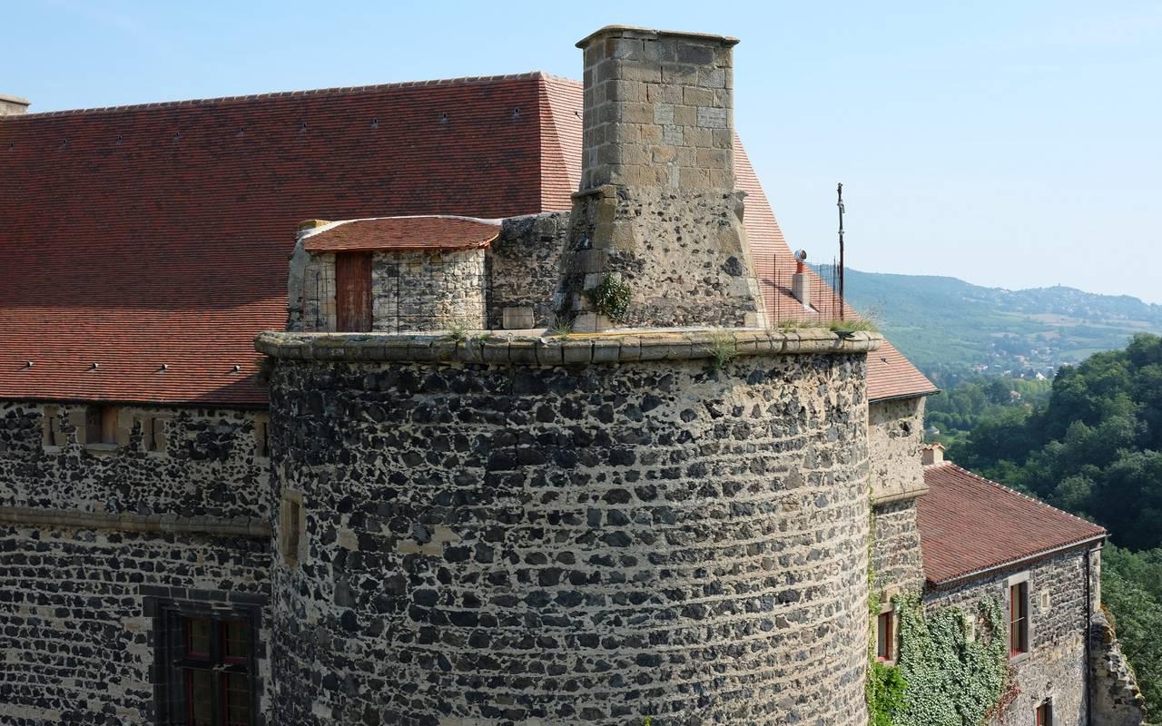 la tour du sud vue du drone saint saturnin, maison d'hôtes Puy-de-Dôme