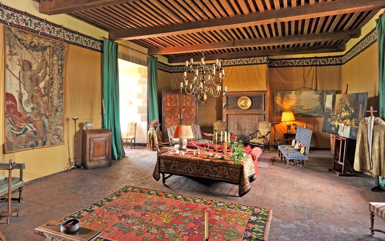 Salon médiéval, Château de Saint-Saturnin, maison d'hôtes dans le Puy de Dôme